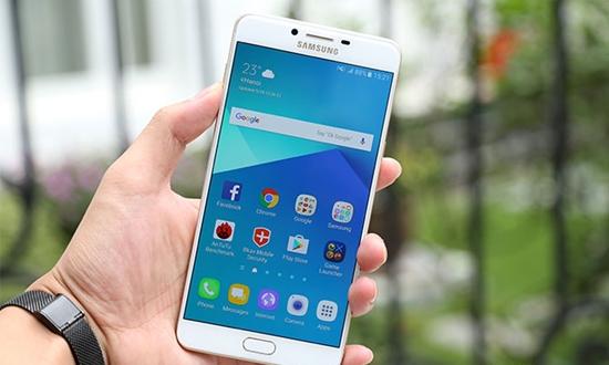 Cam ung Samsung C9 pro chap chon