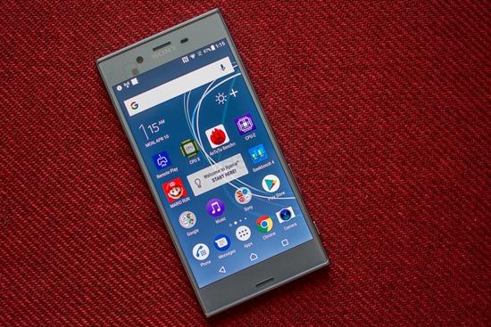 Sony XZs bi be mat kinh