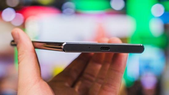 Sony XZ Premium khong nhan tai nghe