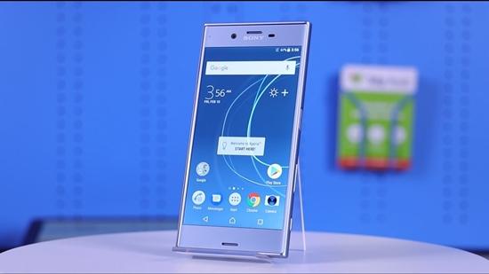 Sony XZs bi treo may