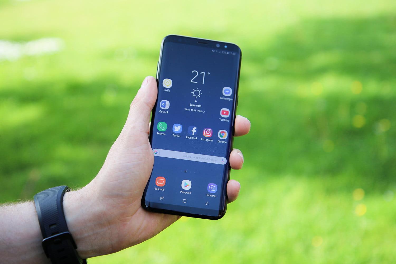Phân biệt thay màn hình và thay mặt kính Samsung S9 Plus