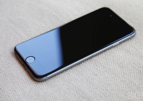 Cách xử lí iPhone tự tắt nguồn mở không lên