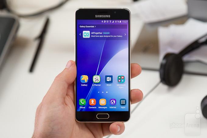 Phải làm gì khi Samsung A5 2016 bị vỡ kính ?