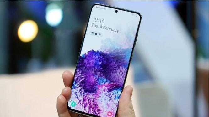 Samsung S20 bị loang màu, cách nào khắc phục ngay?